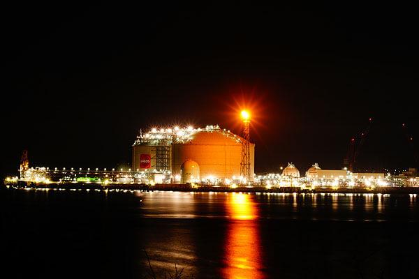 LNGターミナル